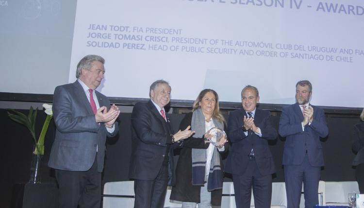 Santiago de Chile wins FIA Smart Cities Award